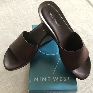 Nine West Dark Brown Leather Wedge Sandal Size-7.5